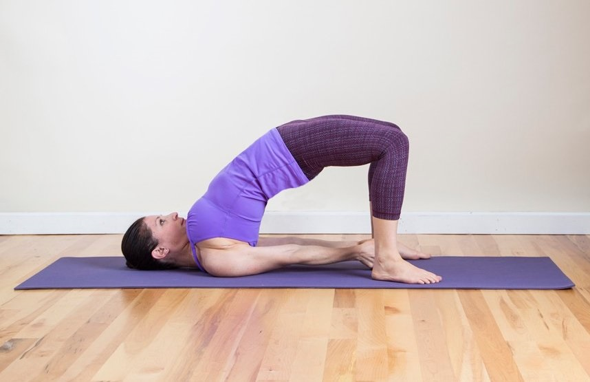 posture-the-bridge-Yoga-to-improve-the-life-sexual-1
