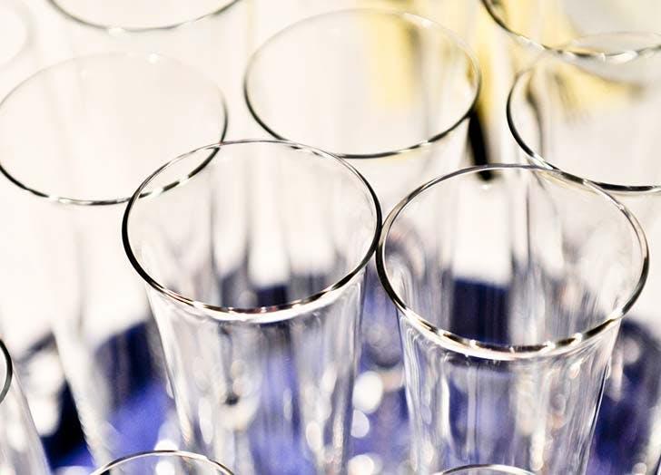 verres-flutes-a-champagne-faire-briller-conseils-menage