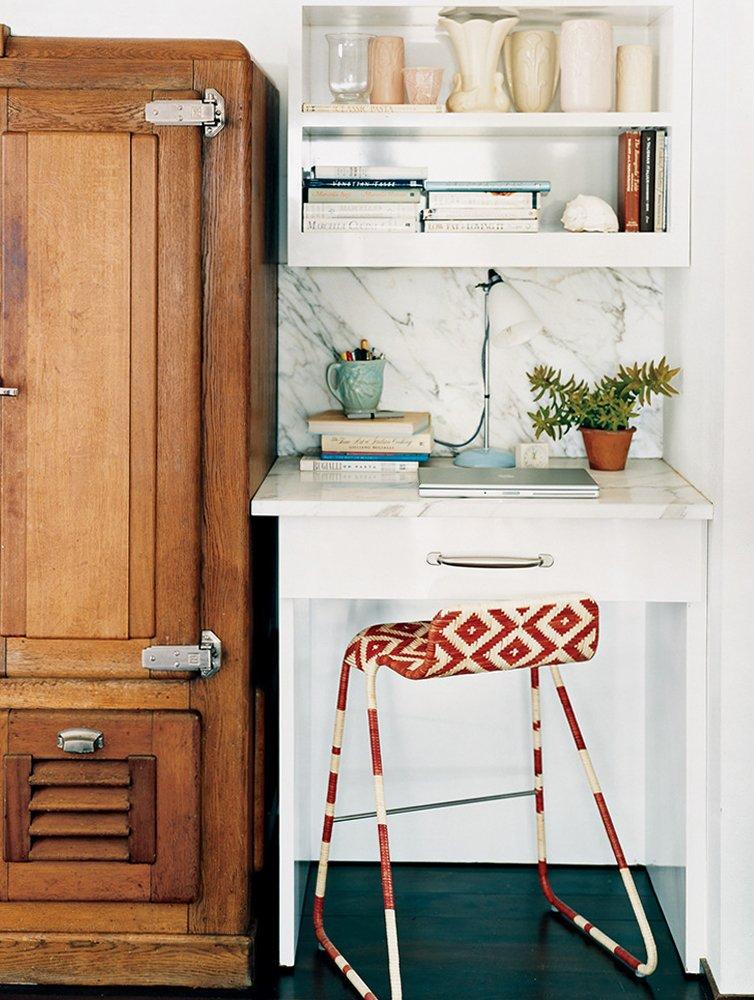 conseils-petite-cuisine-gagner-de-l-espace-avec-des-tabourets