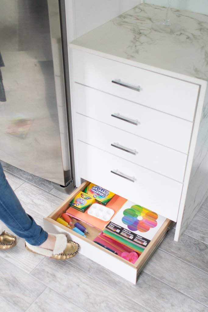 idees-organisation-cuisine-pratique-tiroirs-qu-on-ferme-avec-le-pied