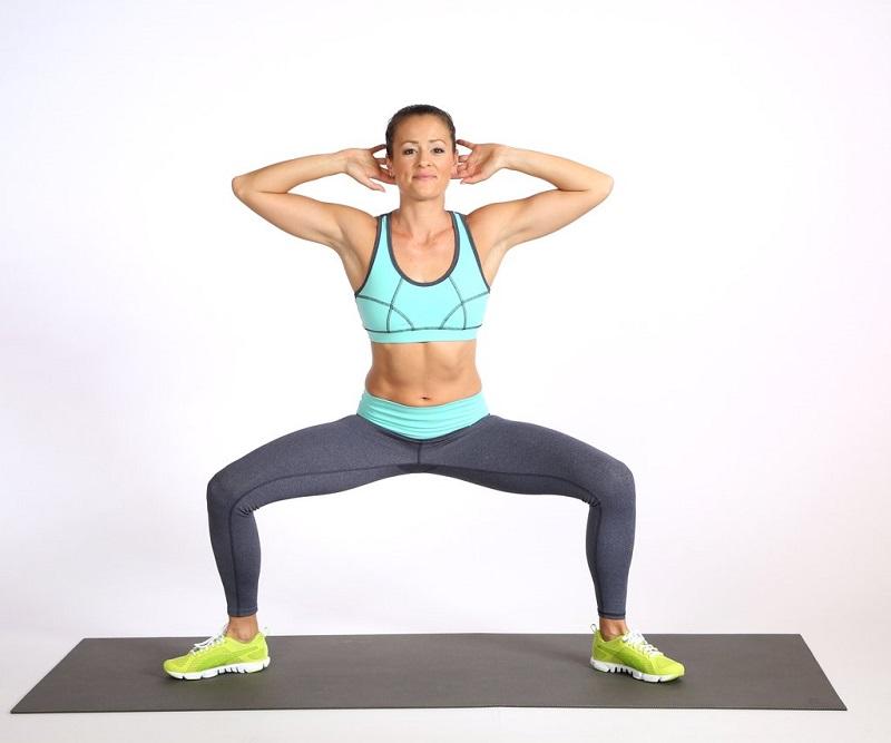 squat-sumo-pour-se-muscler-les-fesses