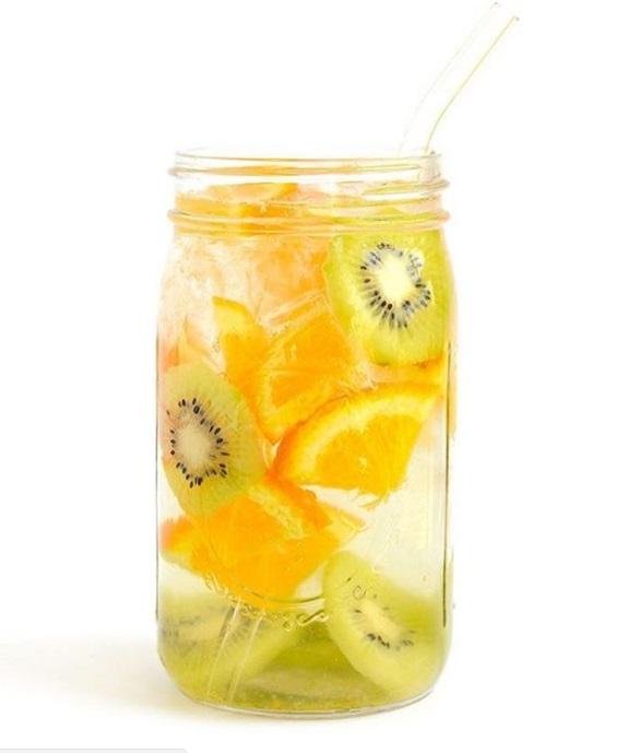 recette-eau-fruitee-detox-9