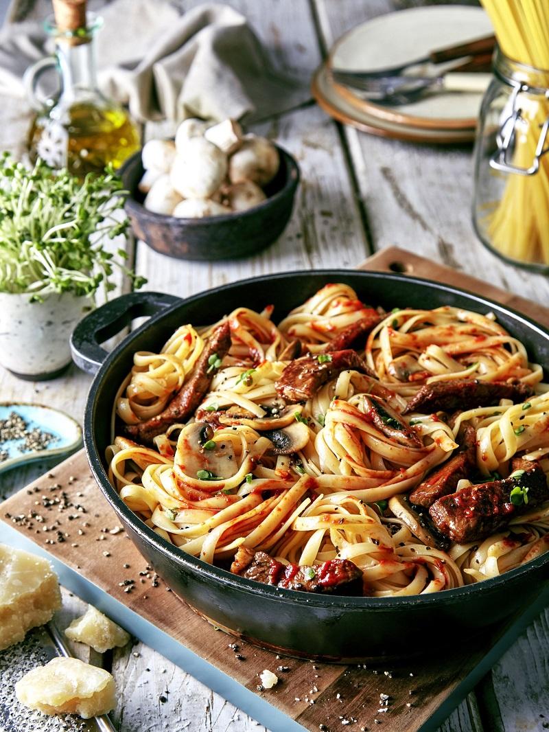 pates-champignon-sauce-tomate