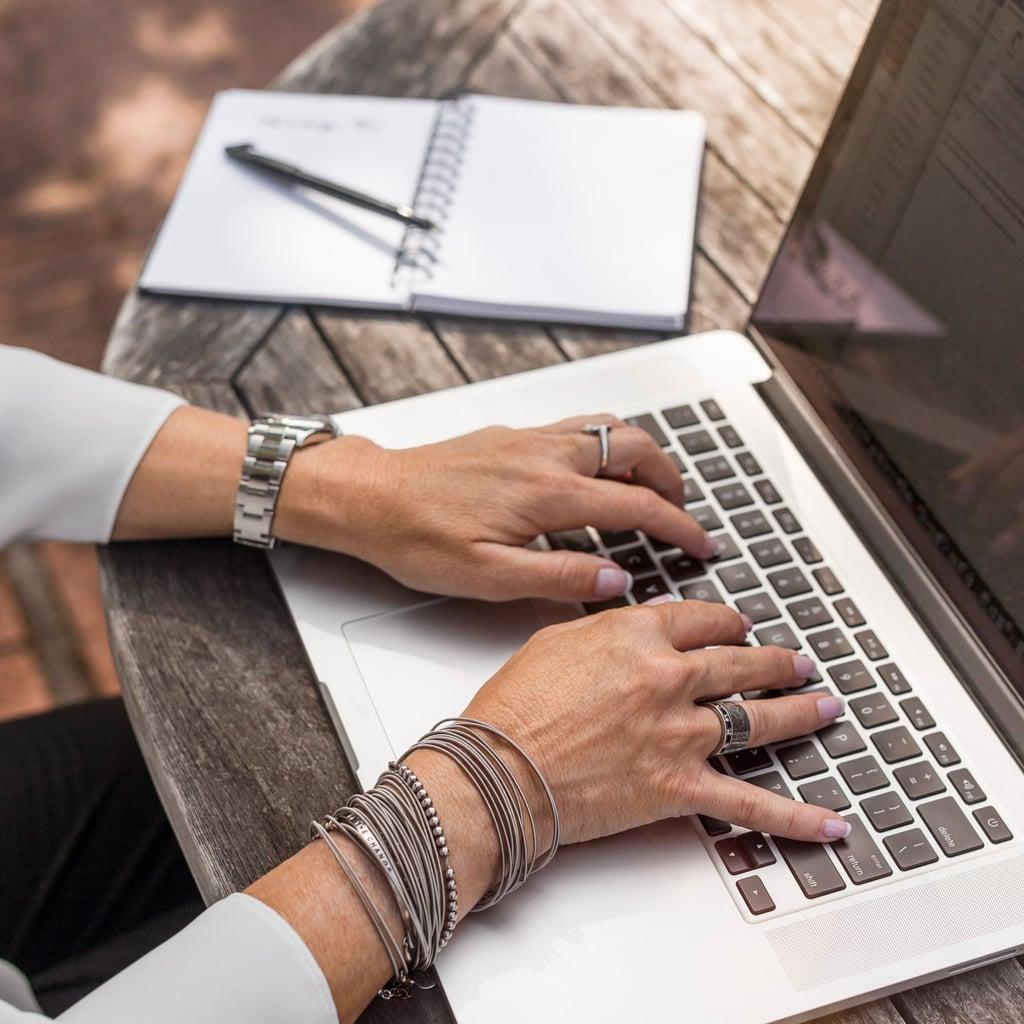 ordinateur-portable-bureau-travail