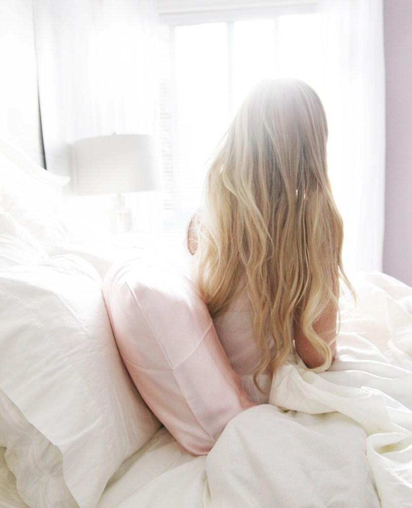 taie-d-oreiller-en-soie-avantages-cheveux