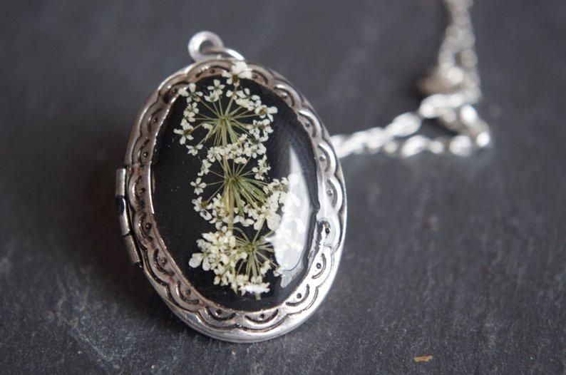 medaillon-fleuri-avec-photo