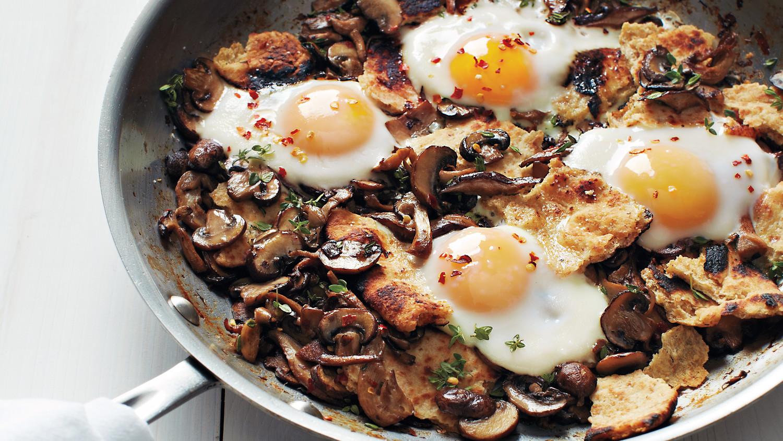 oeuf-plat-champignons-poelee