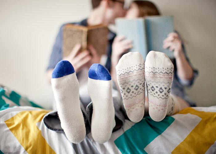 chaussettes-lit-couple