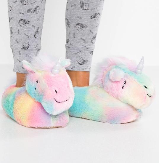 chaussons-licorne-arc-en-ciel