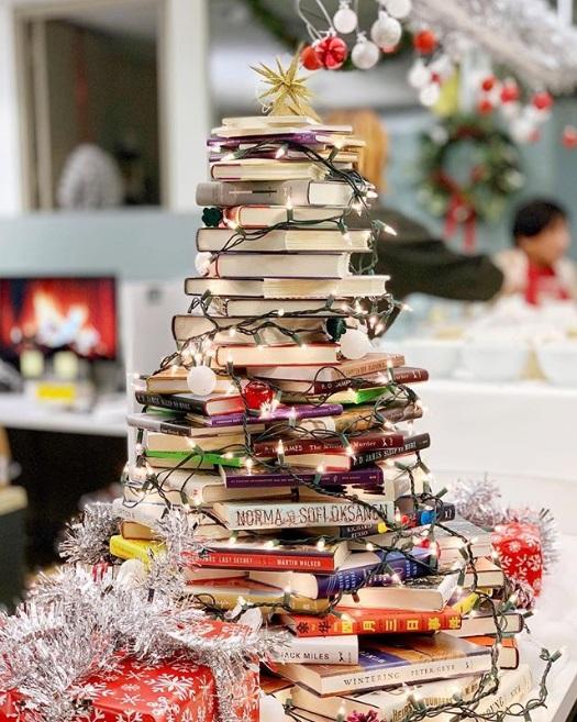 sapin-noel-livres-book-tree-3