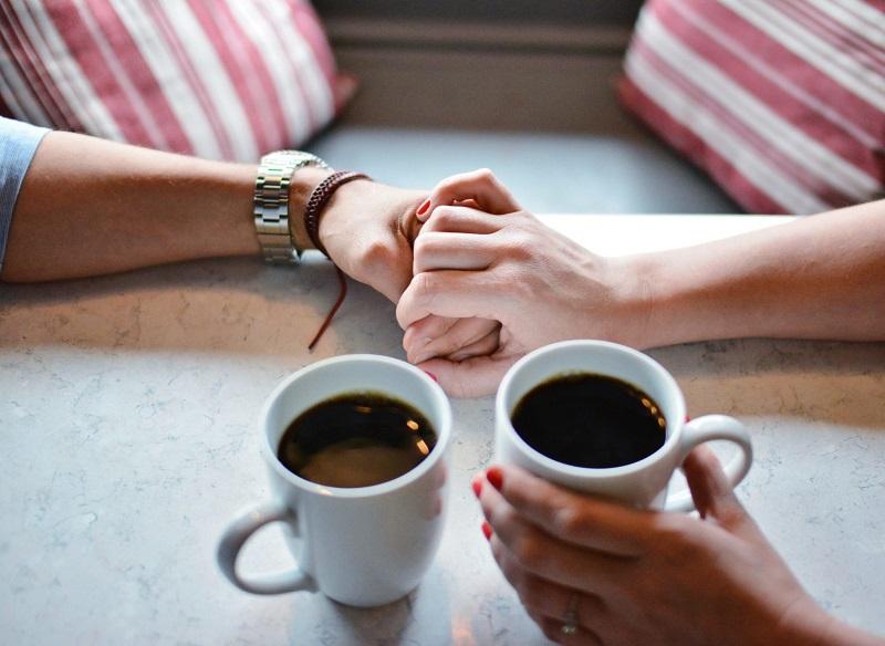 boire-cafe-amoureux