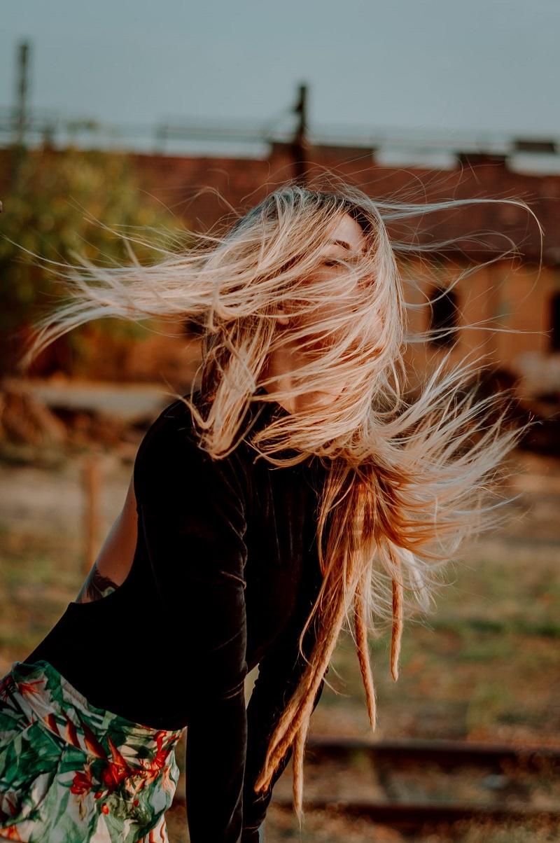 cheveux-blonds-femme
