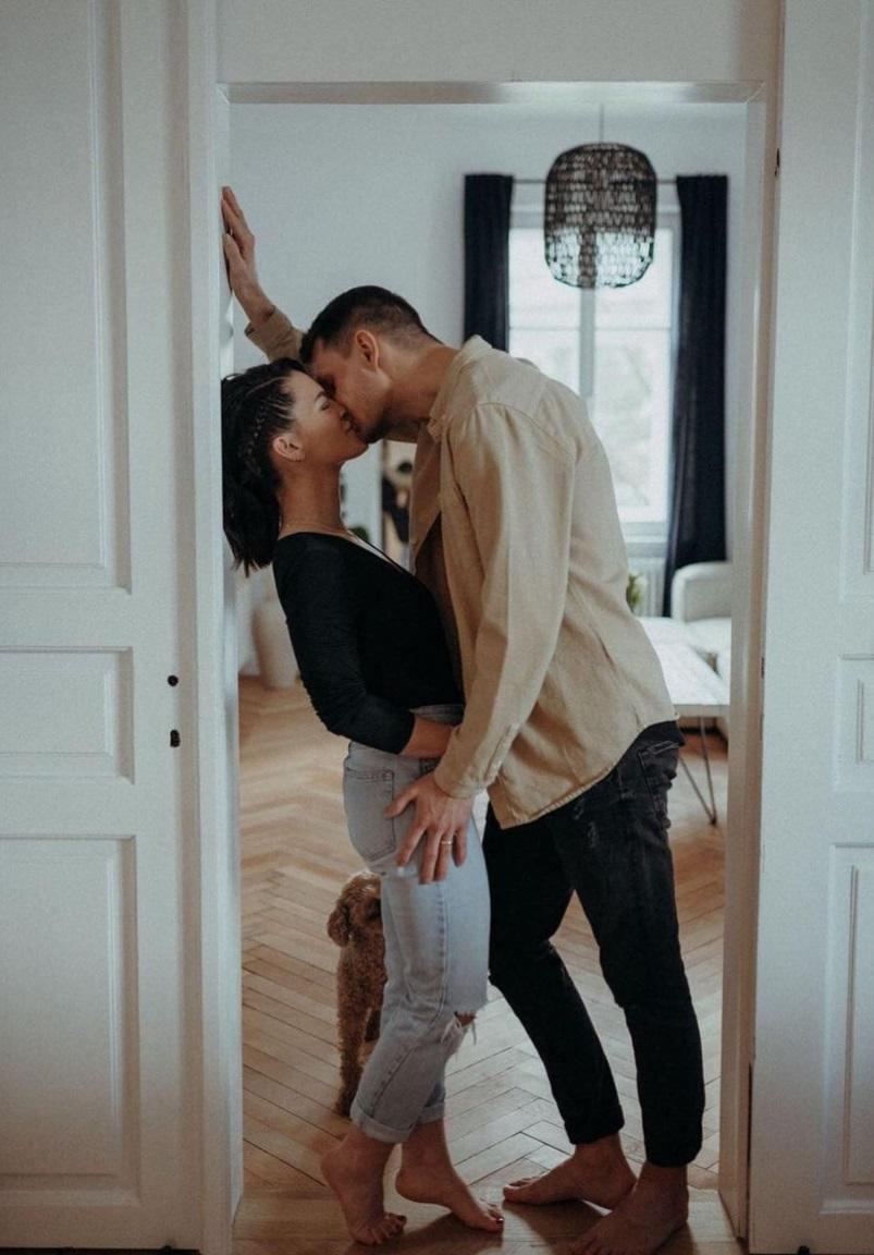 couple-portes-baiser
