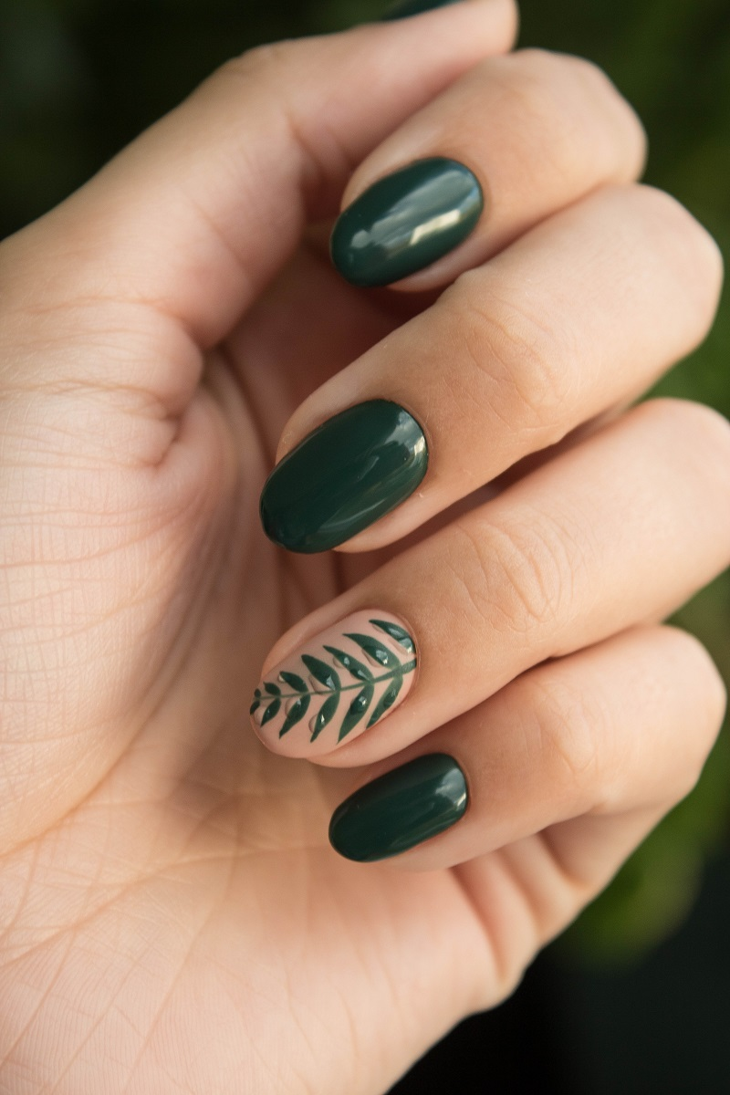 ongles-verts-feuilles