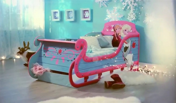 Avec ce lit la reine des neiges votre petite fille ne for Chambre reine des neiges