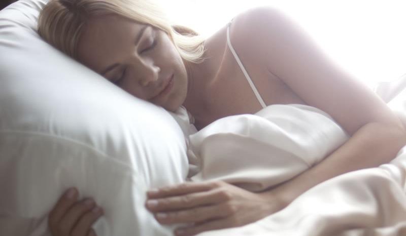 Vous devriez changer vos taies d'oreiller beaucoup plus souvent!