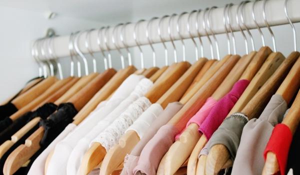 Diy j 39 organise mon dressing pour moins d 39 1 so busy girls for Mon dressing en ligne