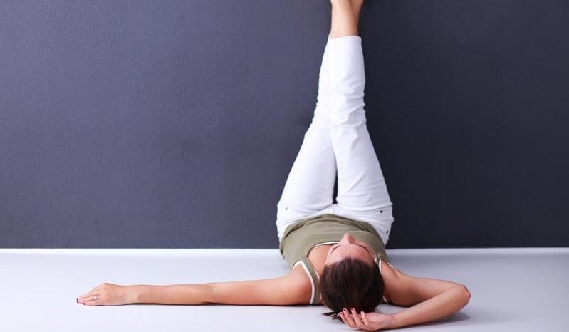 Pourquoi lever les jambes contre un mur tous les jours peut vous ...