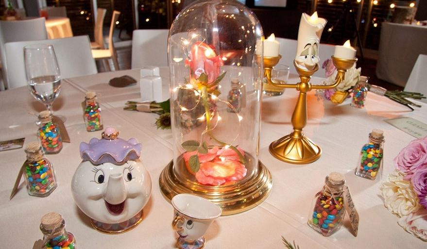 Toutes les tables de ce mariage étaient inspirées de films de Disney