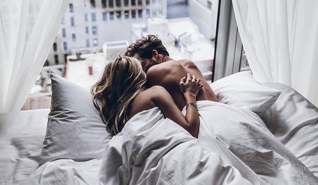 Les 10 Choses Les Plus Courantes Que Les Couples Font Apres Avoir Fait L Amour So Busy Girls