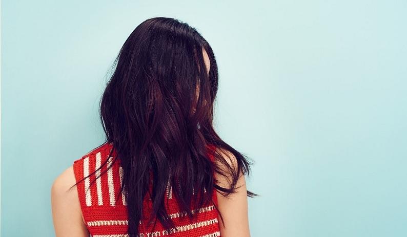 10 Coiffures Parfaites Pour Les Cheveux Epais So Busy Girls