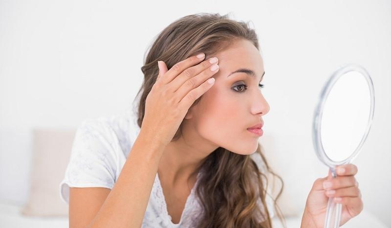99f51f8521ef par Mylène Vous avez de l acné et vous voulez en venir à bout sans agresser  votre peau   Essayez ces remèdes naturels qui vous aideront à faire partir  les ...