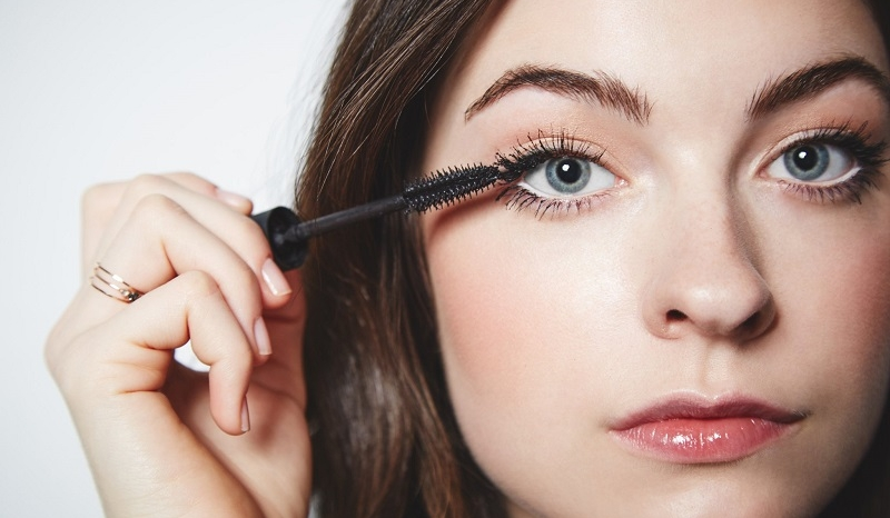 Comment bien appliquer son mascara ? | So Busy Girls