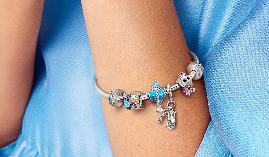 La nouvelle collection Disney x Pandora nous fait plonger dans l ...