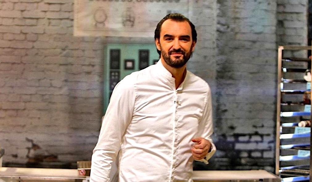 Pendant Le Confinement Cyril Lignac Offre Des Cours De Cuisine