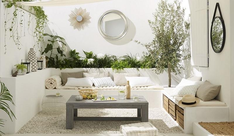 Un aménagement terrasse afin de souligner l\'atout principal des ...